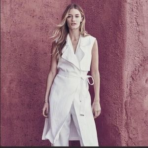 Vince Camuto linen sleeveless trench coat PXS